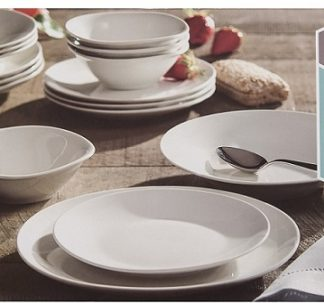 Berkley Jensen 16 piece porcelain dinnerware set